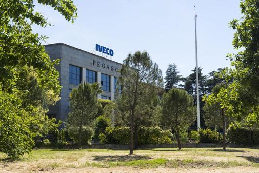 Fachada principal de la empresa Iveco, donde se ha suicidado una mujer tras sufrir acoso sexual