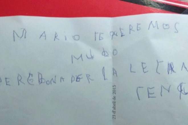 """""""Mario, te queremos mucho, perdona por la letra que tengo"""", escribe el..."""