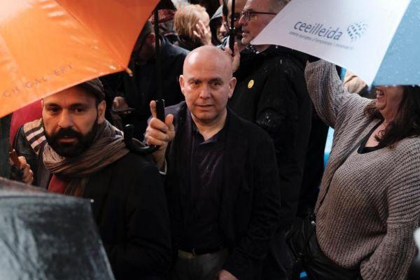 Gonzalo Boye, abogado de Carles Puigdemont, en una protesta en Barcelona