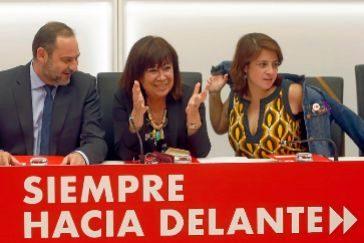 José Luis Ábalos, Cristina Narbona y Adriana Lastra, en la Ejecutiva Federal de Ferraz