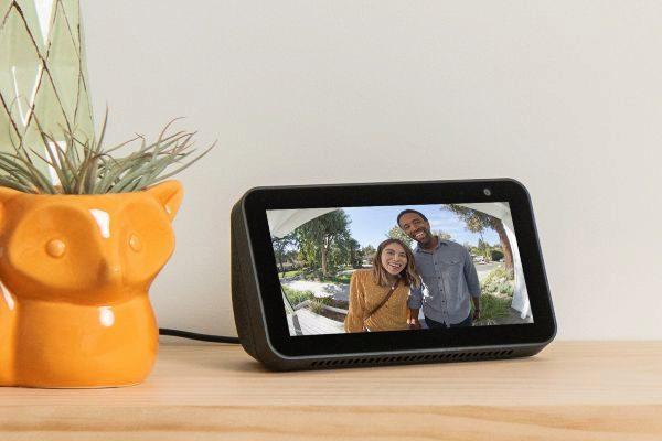 Amazon presenta un nuevo Echo de menor precio y pantalla de 5,5 pulgadas
