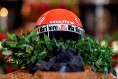 El último adiós a Lauda, despedido en Viena con casco y mono