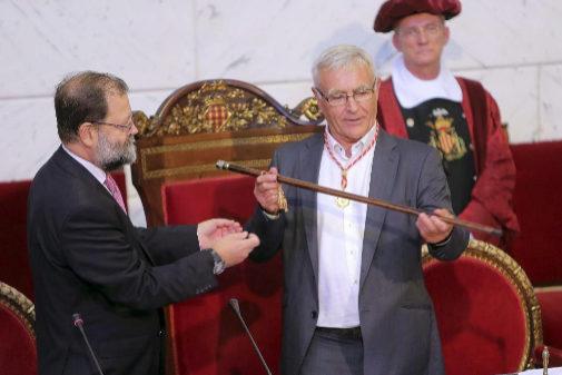 El alcalde de Valencia, Joan Ribó, que todo indica que repetirá, el día de su elección en 2015.