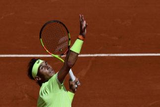 Nadal se da otro paseo por París y pasa a tercera ronda