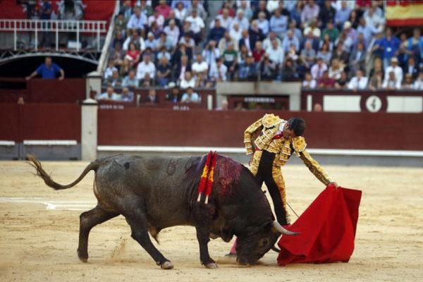 Superior natural de Emilio de Justo, que cortó una oreja de ley al encastado y humillador sexto de Victorino.