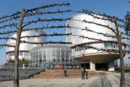 Vista general de edificio sede del Tribunal Europeo de los Derechos Humanos en Estrasburgo.