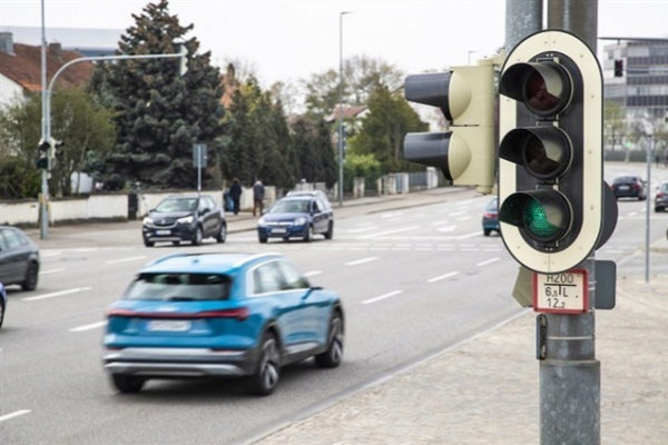 Los Audi ya 'hablan' con los semáforos en Alemania