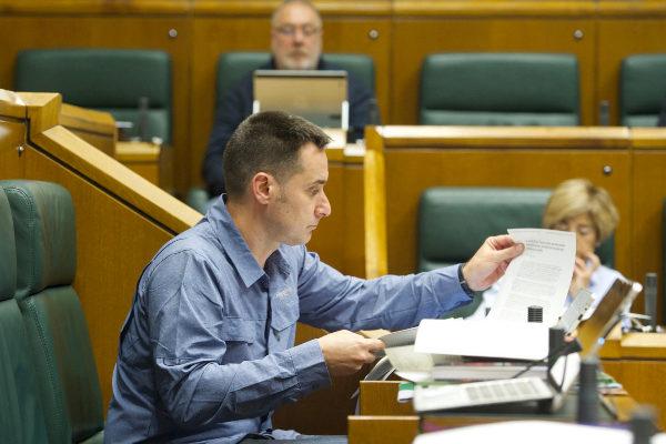 El Parlamento Vasco rechaza tramitar una ley que penalice la huida de empresas