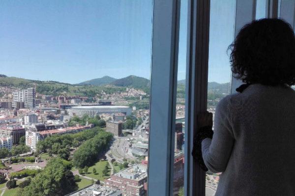 San Mamés, al fondo desde lo alto de la Torre.