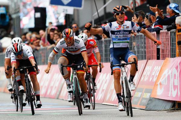 Team Nippo Vini Fantini Faizane' Italian rider Damiano Cima (R)...