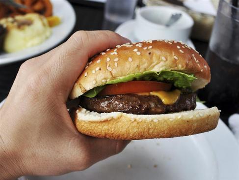 Las carnes procesadas están en la categoría más insana de alimentos ultraprocesados.