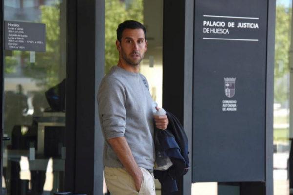 Iñigo López, tras ser puesto en libertad con cargos.