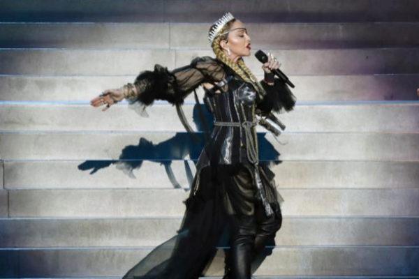 Madonna, durante su actuación en la final de Eurovisión, en Teal Aviv.