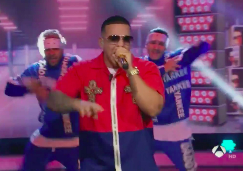 El cantante Daddy Yankee durante su polémica actuación en el programa de Antena 3 El Hormiguero, tras la que fue acusado de cantar su nuevo tema Con calma en playback.