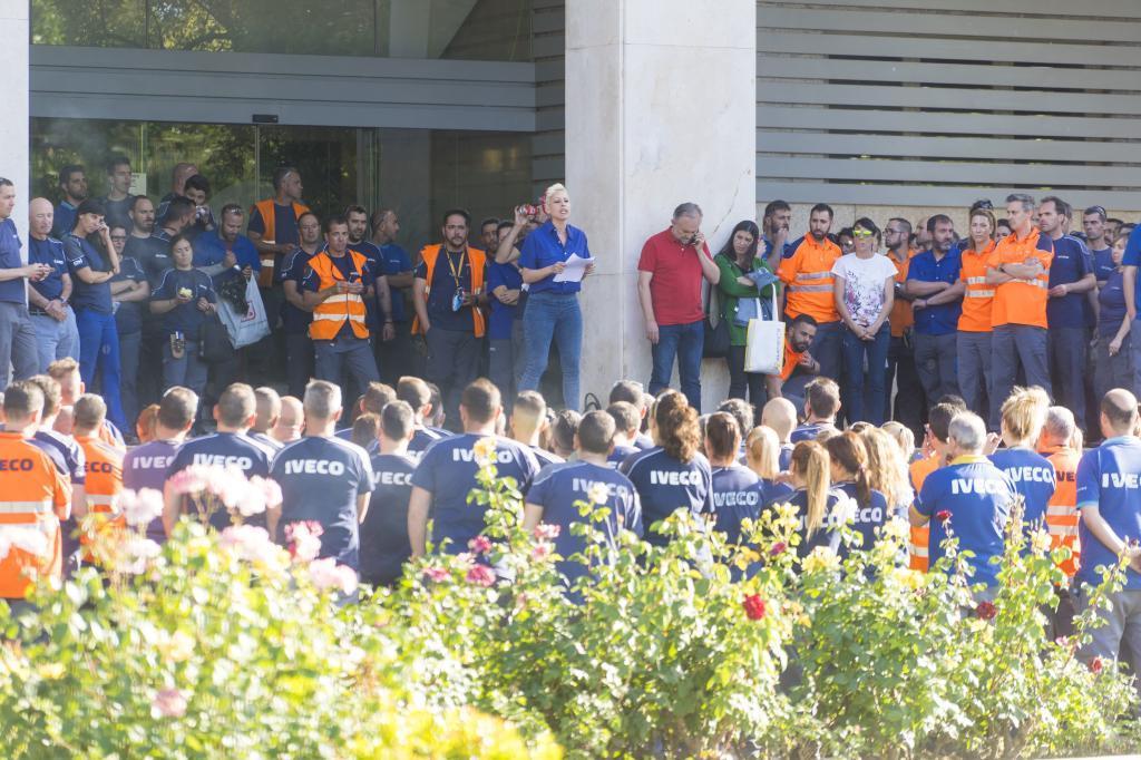 Concentración de los trabajadores de Iveco tras la muerte de Verónica.