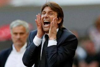 Antonio Conte, durante un partido al frente del Chelsea.