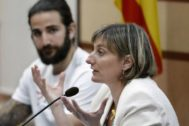Cataluña prohibirá por ley fumar en coches privados