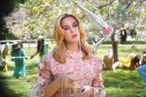 Katy Perry en el vídeo de Never Really Over, su nuevo single...