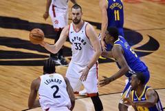 Marc, ovacionado en la primera victoria de Raptors ante Warriors