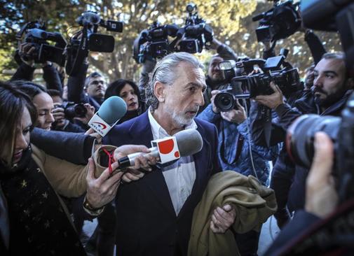 El cabecilla de la 'trama Gürtel', Francisco Correa, antes de entrar...