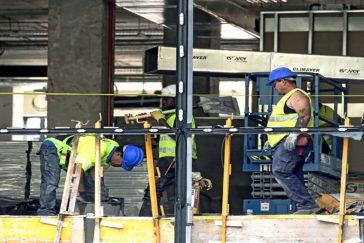 Trabajadores de la construcción en una obra en Madrid.