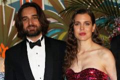 Charlotte Casiraghi y Dimitri Rassam en la 65 edición del Baile de la Rosa.