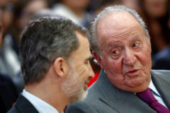 El Rey Felipe VI junto a su padre, Don Juan Carlos