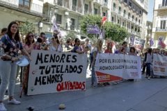 Protesta de trabajadores de centros de menores tutelados por los impagos de la Administración valenciana.
