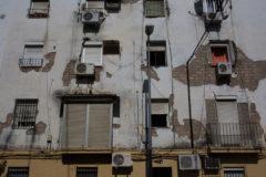 Bloque de viviendas en la barriada de Los Pajaritos de Sevilla.