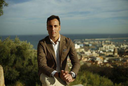 Miki López destaca las ventajas de poder trabajar en una ciudad como Alicante y abarcar clientes de todo el territorio nacional.