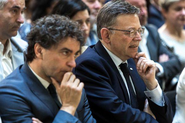 El secretario autonómico de Turismo, Francesc Colomer, y el presidente de las Generalitat, Ximo Puig.