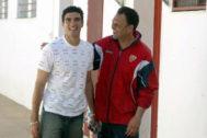 Reyes y Caparrós, en la ciudad deportiva del Sevilla en 2004.
