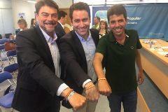 Teodoro García Egea, ayer de visita en Alicante, para avalar a Carlos Mazón.