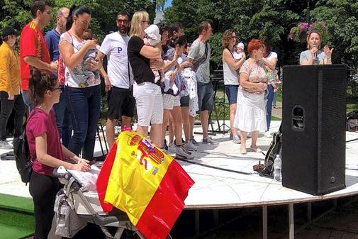 Las familias celebraron el sábado un picnic en un parque de Kiev