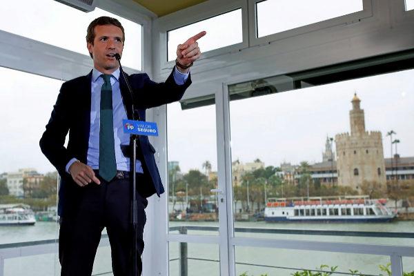 El presidente del PP, Pablo Casado, en un acto de campaña electoral en Sevilla el pasado abril.