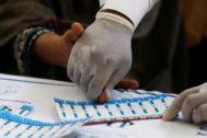 Prueba de sangre para realizar una prueba de VIH, en Ratodero.