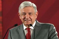 La revolución de Andrés Manuel López Obrador 'echa raíces'