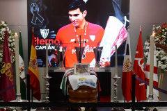 Sevilla dice adiós a un capitán eterno