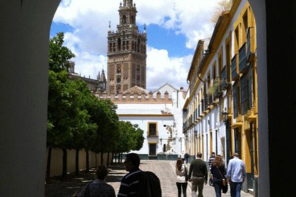 La Semana Santa y el World Travel llenaron de viajeros Sevilla en una primavera con nuevo récord de visitantes