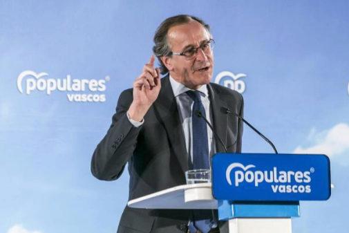El presidente del PP vasco, Alfonso Alonso, en un acto previo al 26-M