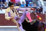 Honor a los toreros machos: San Román asusta al miedo