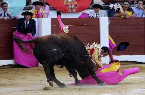 Cogida de Emilio de Justo el pasado domingo en Cáceres