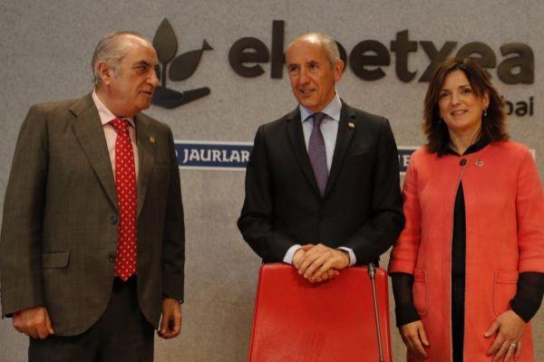 Arriola, Erkoreka y Artolazabal, tras el Consejo de Gobierno.