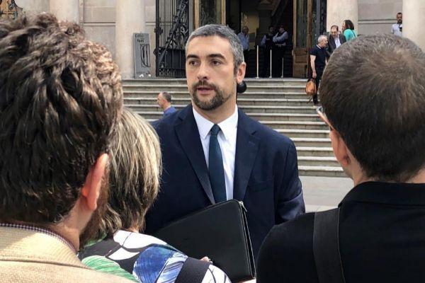 El diputado de ERC Bernat Solé tras declarar en el TSJC