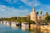 Barcos en el río Guadalquivir.