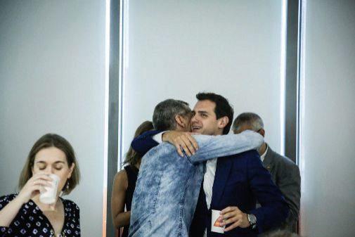 El líder autonómico de Ciudadanos, Tonicantó, el pasado lunes con Albert Rivera en la ejecutiva nacional del partido.
