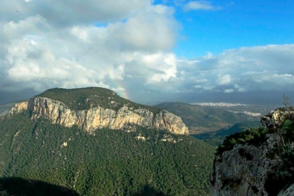 Vista de la Serra de Tramuntana desde el Castell de Alaró.