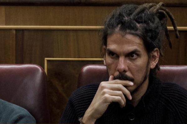 El diputado de Podemos Alberto Rodríguez, el pasado febrero durante el debate de los Presupuestos.