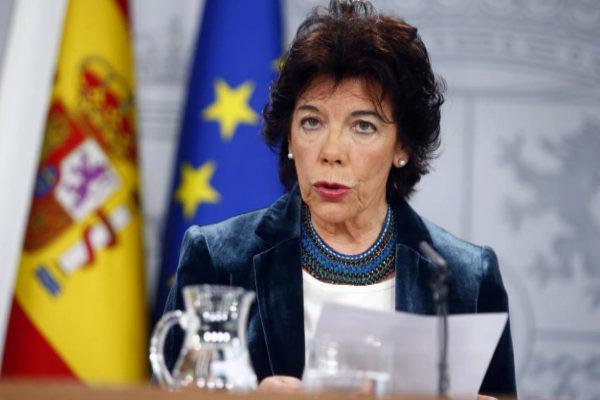 Isabel Celaá, ministra de Educación, en rueda de prensa tras el último Consejo de Ministros.