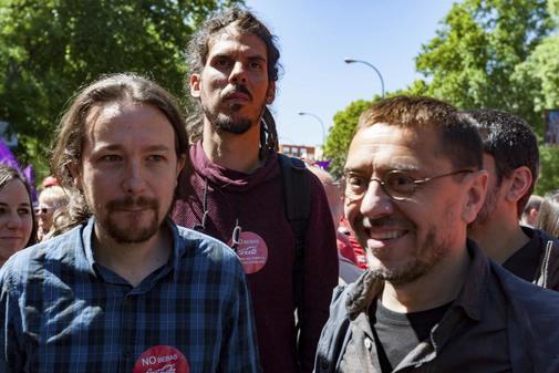 Alberto Rodríguez, junto a Pablo Iglesias y Juan Carlos Monedero